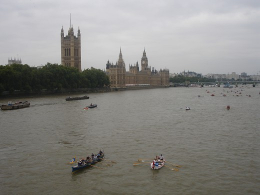 GREAT RIVER RACE, LONDON