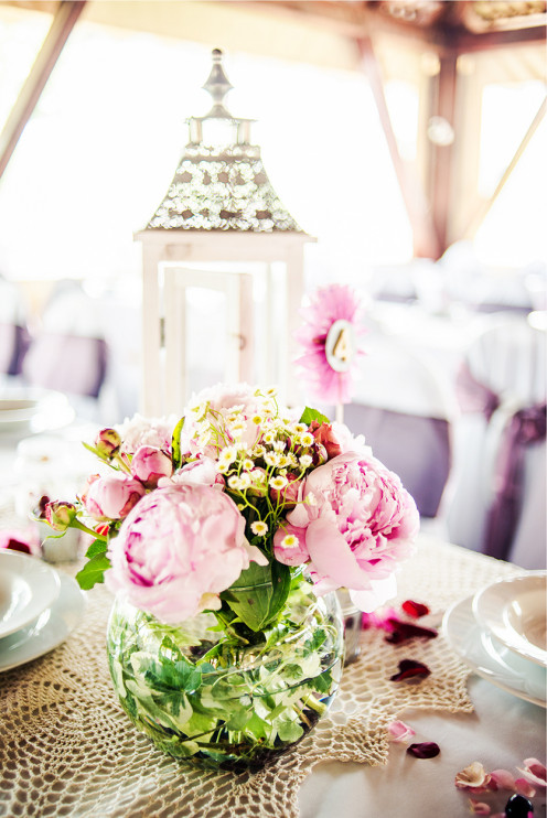 Shabby chic wedding table decorations.