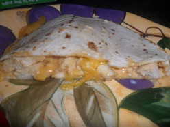 """Recipe: How to Make Easy Taco Bell Chicken Chipotle Quesadillas with """"That Sauce"""""""