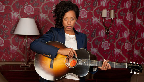 Corinne Bailey Rae and her Gibson Robert Johnson L-1
