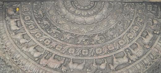 Sandakadapahana or the Moonstone