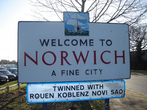 Road sign in Norwich depicts Norwich Cathedral