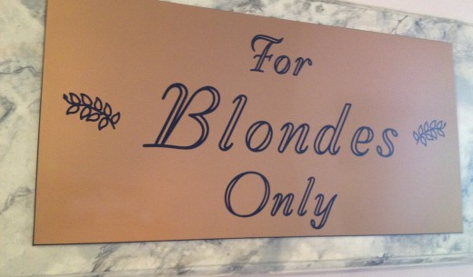 Welcome to the blondes' room