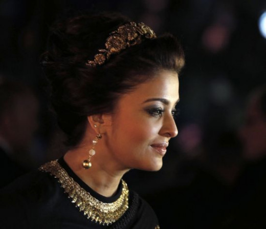 Aishwarya looking like a regal queen in Sabyasachi creation at the 2013 film festival.