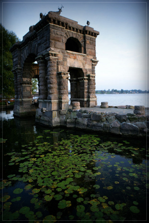 The Heart Island Gazebo is a favorite wedding site and dozens of weddings ceremonies are performed each year at this landmark location. Please see our wedding page for more information on scheduling your wedding at Boldt Castle.