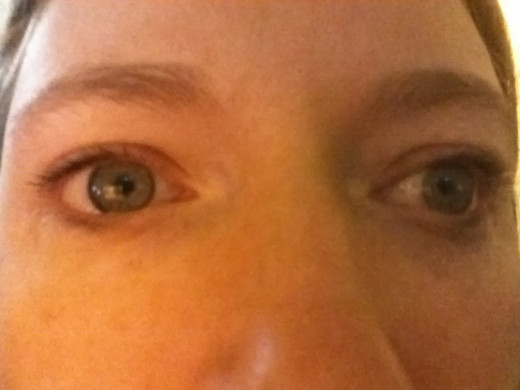 I can switch to the right eye to turn outward as well. This usually only happens if I want it to.