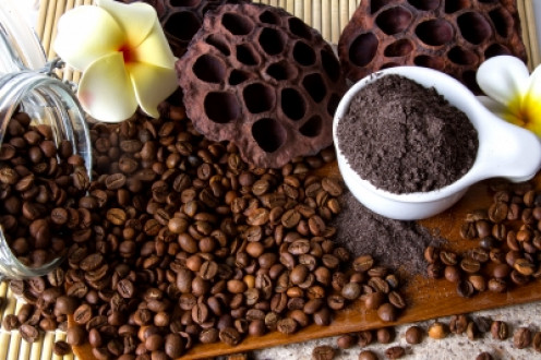 Homemade Coffee Scrub for Caffeine Addicts