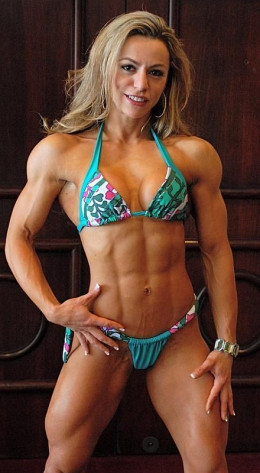 Juliana Malacarne - Female Fitness Models