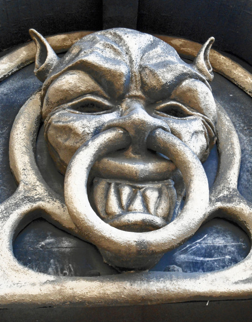 GARGOYLE AT LONDON DUNGEON