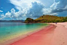 Pink beach, Lombok.