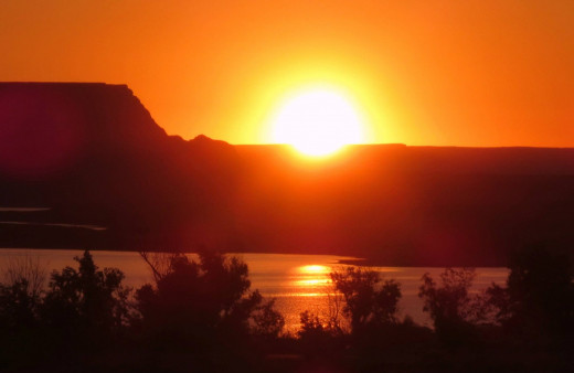 Sunrise at Lake Powell, 2013