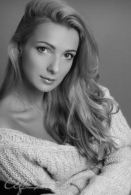 Sensual blonde portrait from AlfaFoto  flickr.com