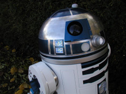 How to make a R2-D2 birthday cake. Star Wars coolest droid - millenium falcon, skywalker, Darth Vadar