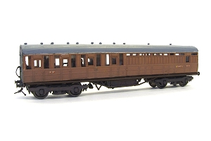 The four compartment brake in LNER livery to resemble post-nationalisation days with the '3' missing from the doors (no 3rd class in BR days!) I used to build Kirk Carriages on commission as 'ELLNE Models' through a shop called 'The Booking Hall
