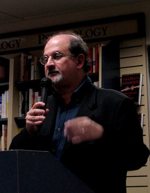 "Salman Rushdie presenting his book ""Shalimar the clown"" at Mountain View, USA, October 2005"
