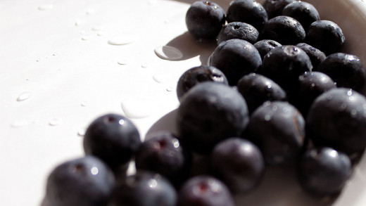 Blueberries can reduce inflammation and oxidative stress.