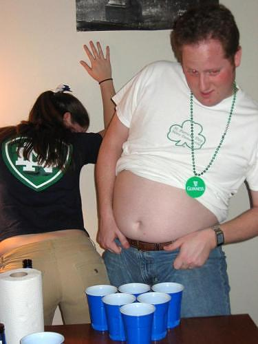 A funny Beer Pong Distraction