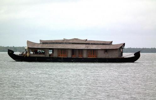 House boat in Vembanattukayal, Kerala