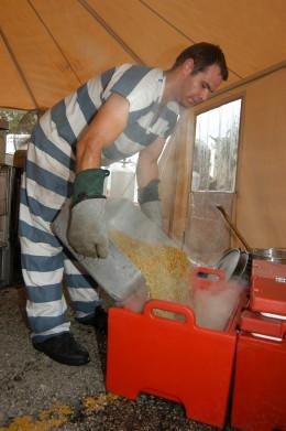 Prisoner helping with Fema program in Florida