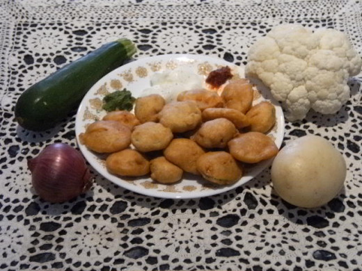 Pakodas - Made of Potato, Onion, Zuccini and Flower