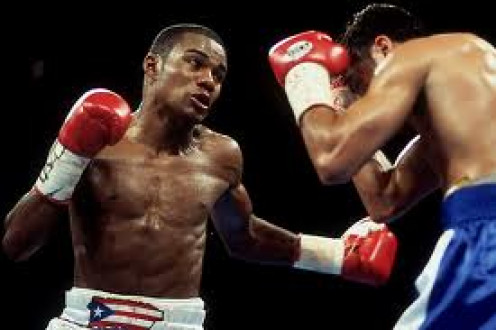 Felix Trinidad and Oscar De La Hoya wage war in 1999. The fight was to unify the welterweight championship of the world.