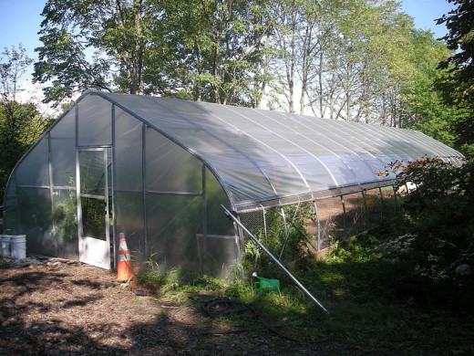 Hoop house/greenhouse