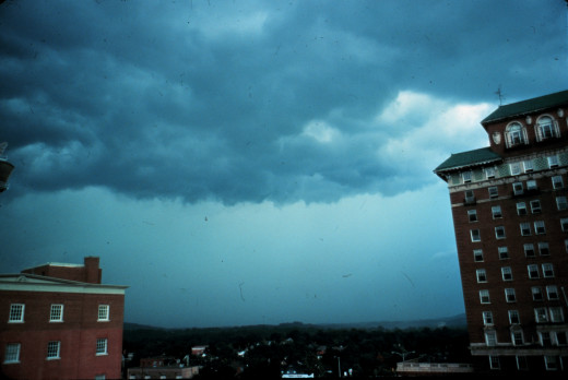 File: Approaching rain line with a thunderstorm - NOAA