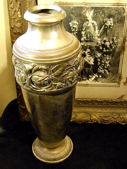 Antique French Funeral Urn for sale at Pandora's
