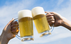 """How to say """"Cheers"""" in other languages! Raise your glasses!"""