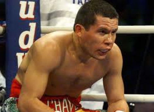 Julio Cesar Chavez was 89-0-1 before suffering his first defeat. He beat some top notch opposition during that run.