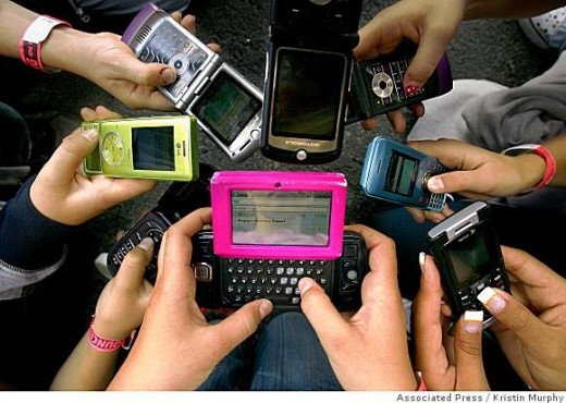 Lots Of Cell Phones and PDAs! www.sfgate.com