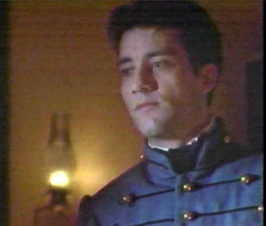 Clive Owen as Devin O'Neil.