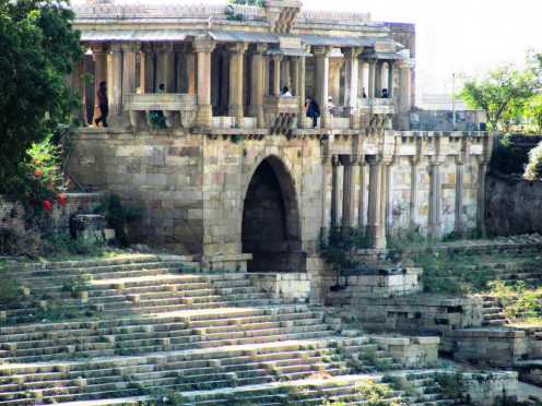 The Royal Palace with steps to the tank