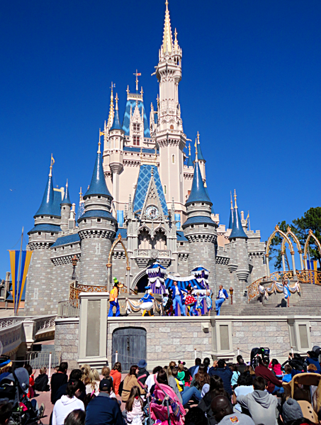 Even if you don't enjoy crowds, there are still ways to enjoy Disney World.