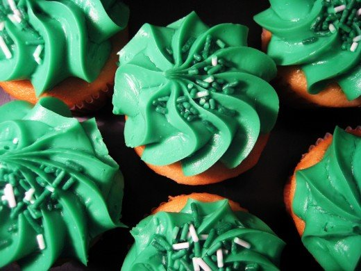 Green frosted cupcakes