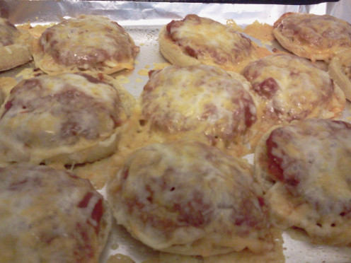 These Three Cheese English Muffin Pizzas are great for adults as a party appetizer too!