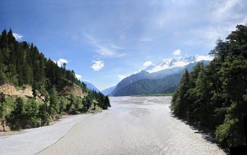 The sparkling Gandaki River