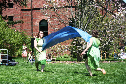 Dancers at the Arnold Arboretum