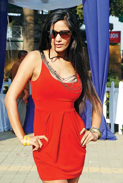 Poonam Pandey in Red