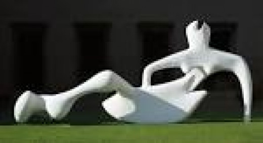 Reclining Figure - Henry Moore