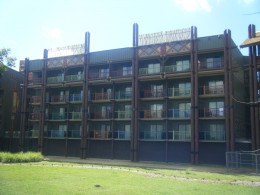 Rooms in Jambo House, it really looks like you are staying in a lodge resort in Africa.