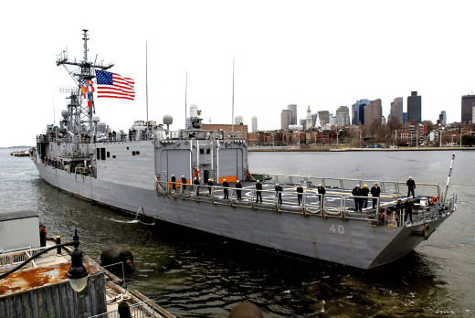 Frigate USS Halyburton in Boston, 2010.