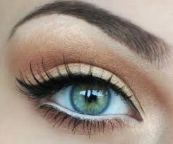 Lower lids should not be as dark as the upper lid.