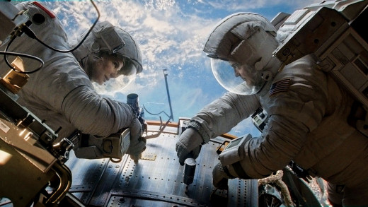 Sandra Bullock and George Clooney star in Gravity, a movie about astronauts trying to survive a space disaster and return to Earth