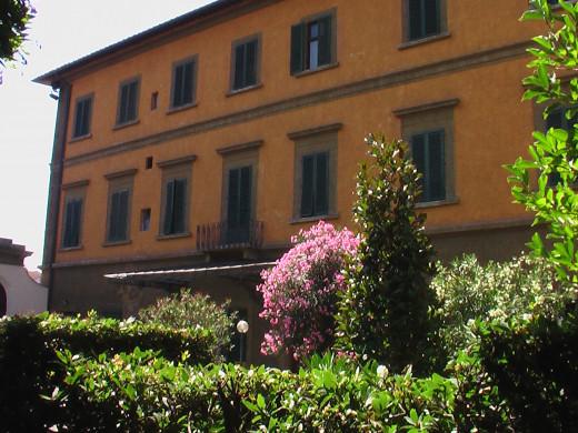 Casa Santo Nome Di Gesu, Florence