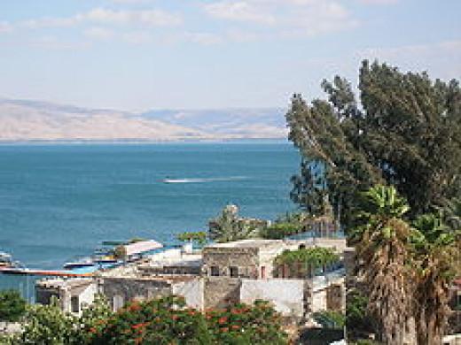 240px-Sea_of_Galilee_2008.jpg