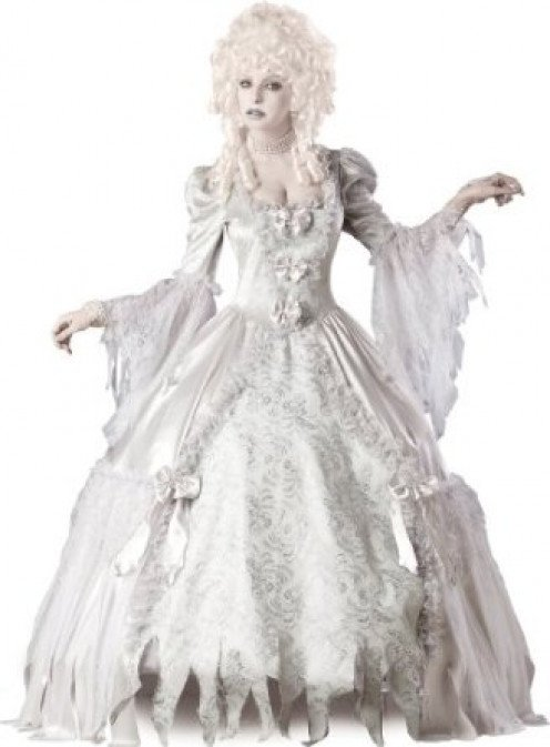 This costume is great for those who want to wear full-length gowns. Aside from being a countess, you can be a princess, queen, etc