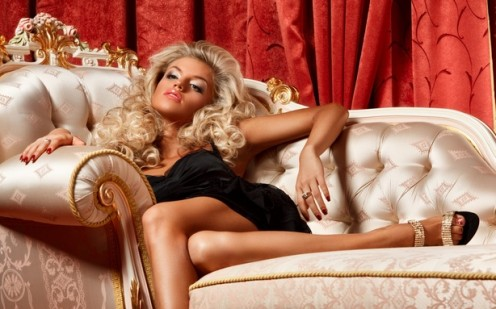 How to Attract Rich Men and Keep Them Interested
