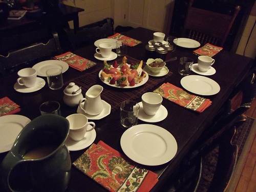 The table is set and the quiche is hot. The coffee is brewed and the tea kettle is whistling. Will you have fresh squeezed orange juice or fresh pressed cider? Breakfast is delicious at Royalton Bed and Breakfast.