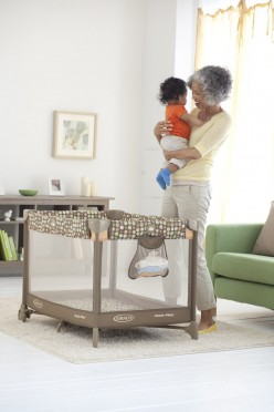 Best Large Baby Play Yards and Playpens 2015